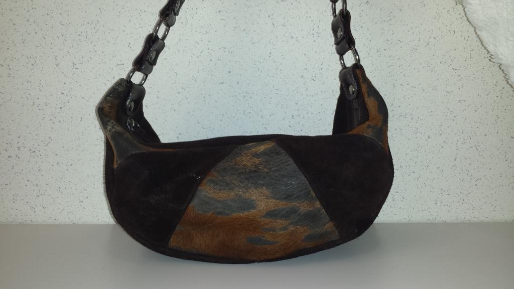 Bruine koehuid tas - GuessWhat! tweedehands kleding online